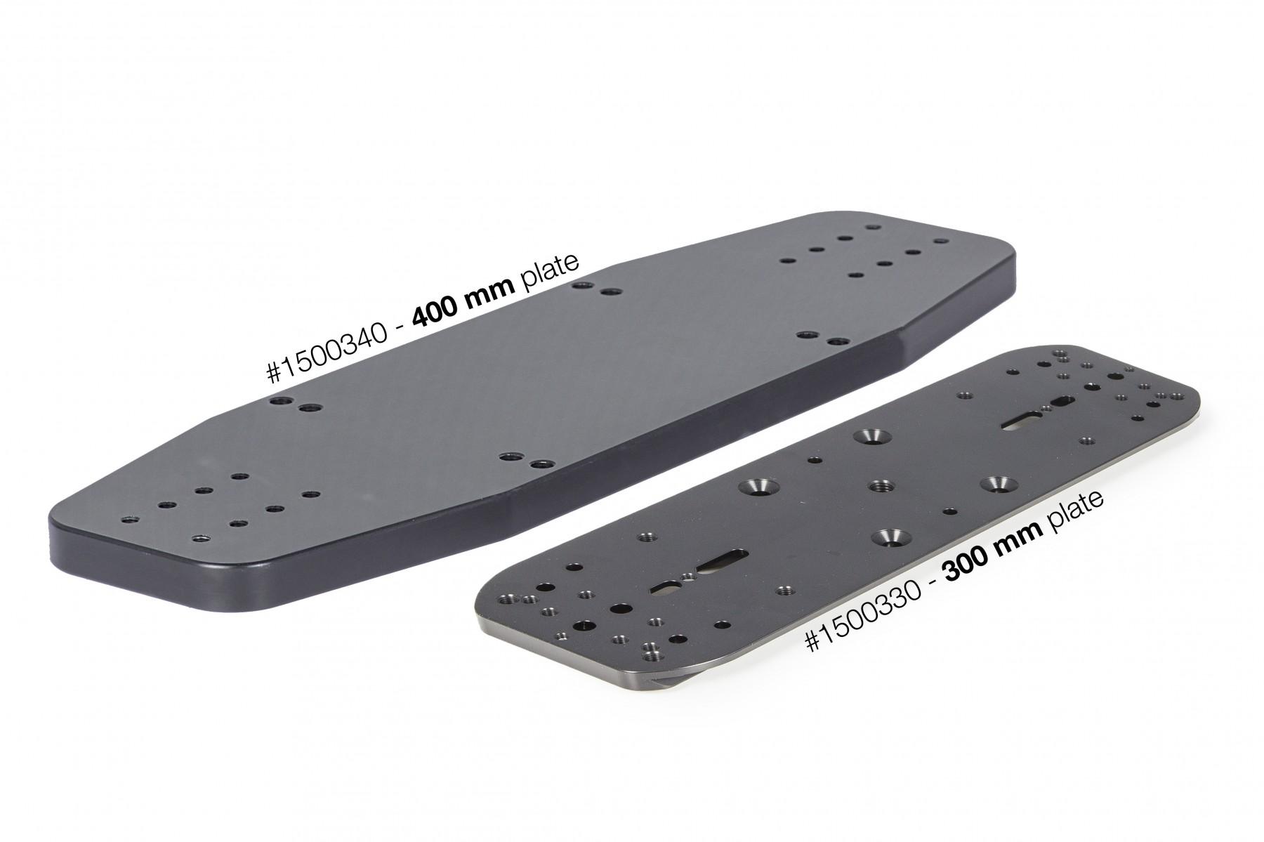 Anwendungsbild: Kombination: Links #1500340 - 400 mm Halteplatte für Leitrohrschellen (Größe III), Rechts Produktabbildung