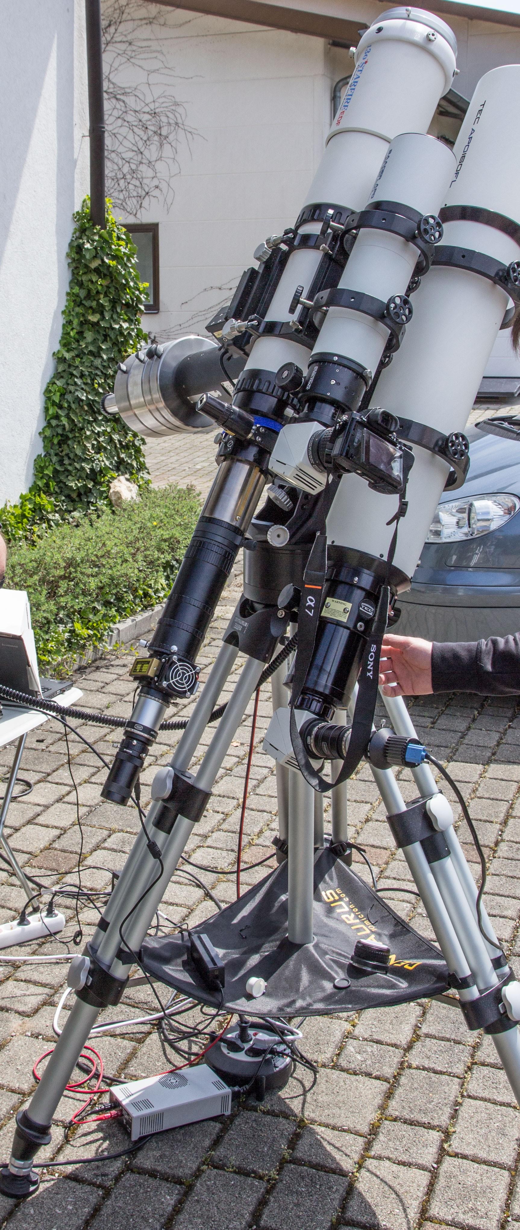 Anwendungsbild: Teleskop-Kombination mit Weißlicht und H-alpha beim Merkurtransit 2016