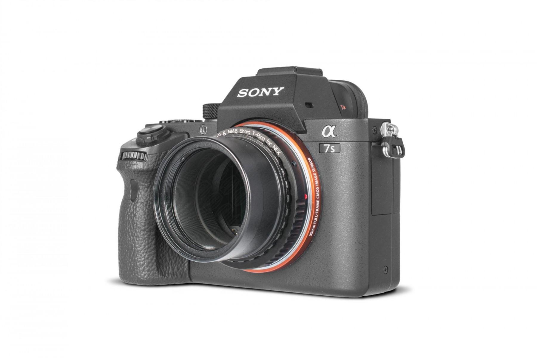 """Anwendungsbild: Sony E/NEX T-Ring mit Standard 2"""" Steckhülse und T-2 Innengewinde. Mehr optische Baulänge und kleinere Öffnung"""