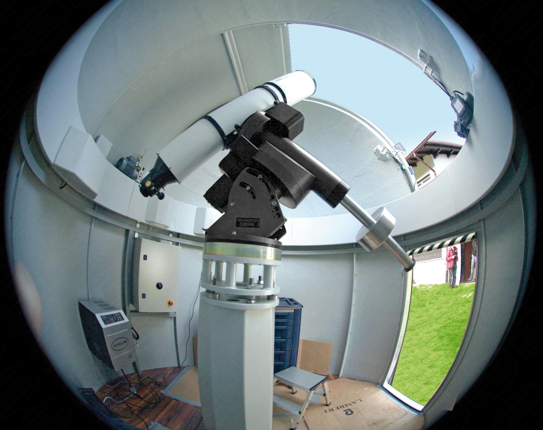 Anwendungsbild: Fischaugenblick von der Innenseite einer 2.6m schlüsselfertigen Sternwarte (Classic)