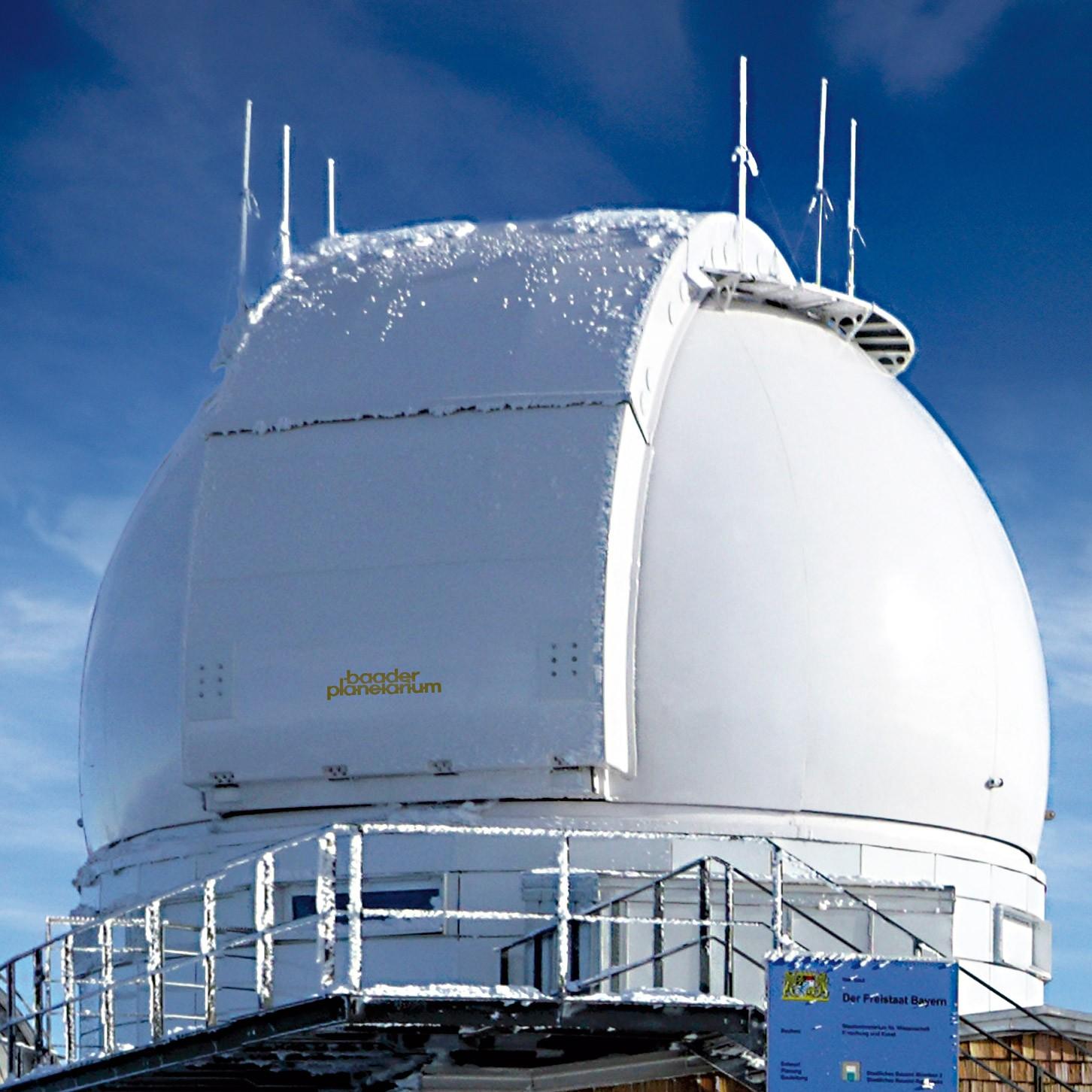Klassische Sternwartenkuppeln für Forschung und Lehre (3,2 - 8,5 Meter)